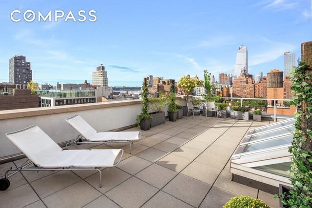 444 W 19th St roofdeck.jpg